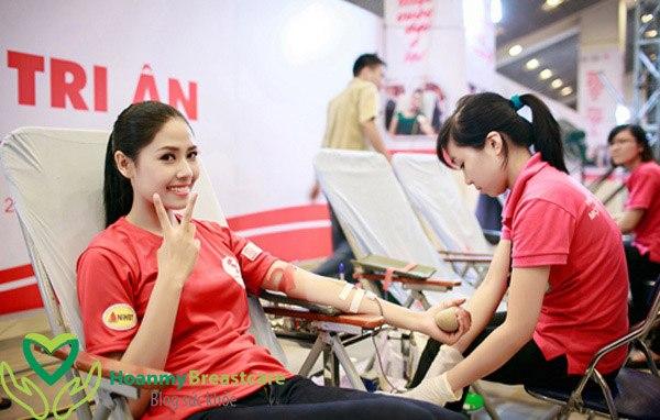 Có kinh nguyệt có nên đi hiến máu không